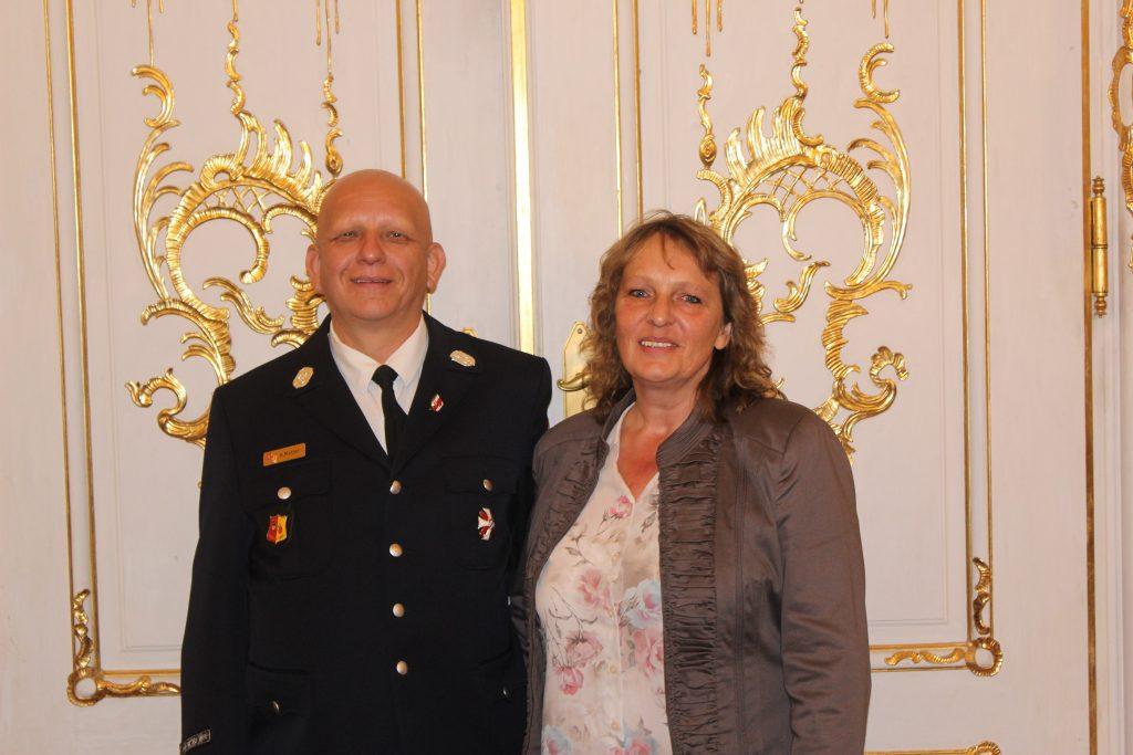 1. Kommandant Herr Helmut Motzer gemeinsam mit seiner Partnerin Frau Beatrix Pflanz
